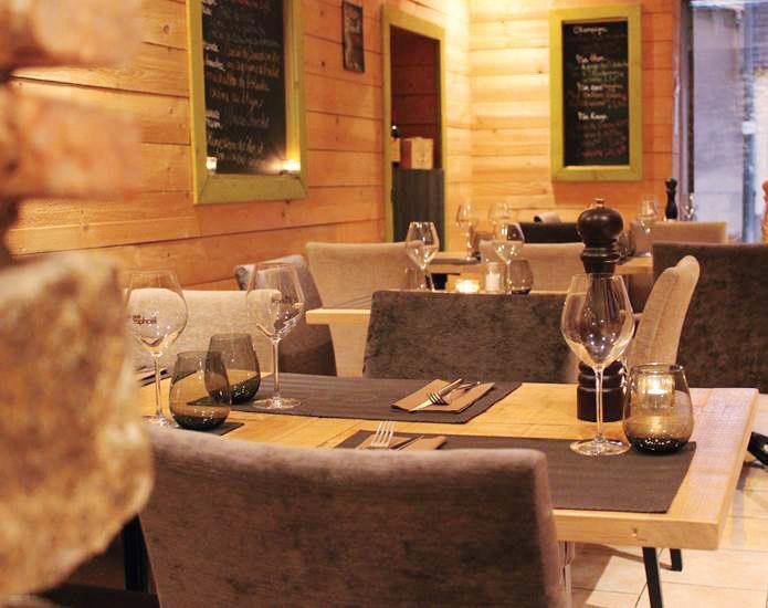 Restaurant Au Petit Rapha L Restaurants Et Gastronomie Nantes Les Tables De Nantes