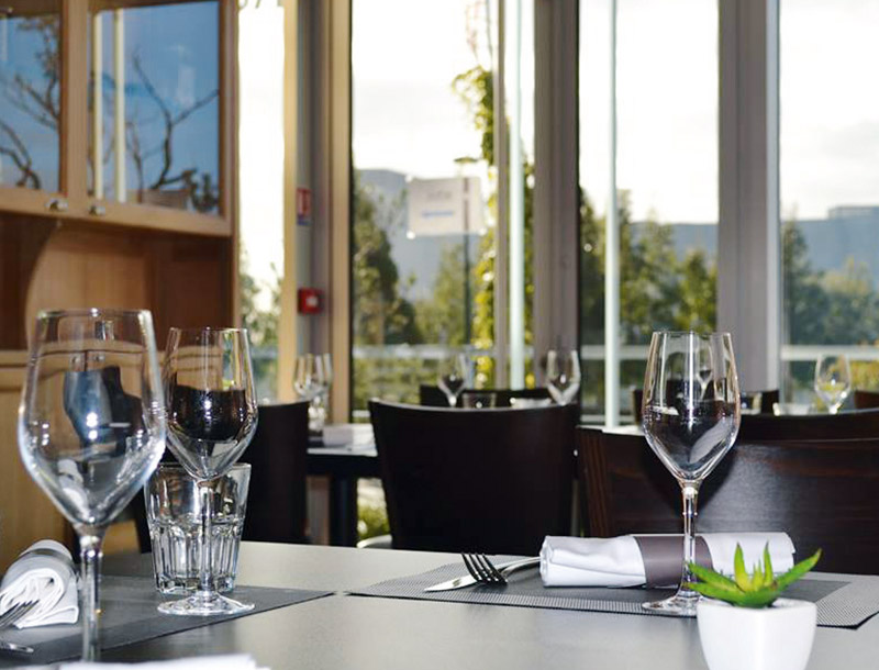 Restaurant du bonheur dans la cuisine restaurants et for Du bonheur dans la cuisine