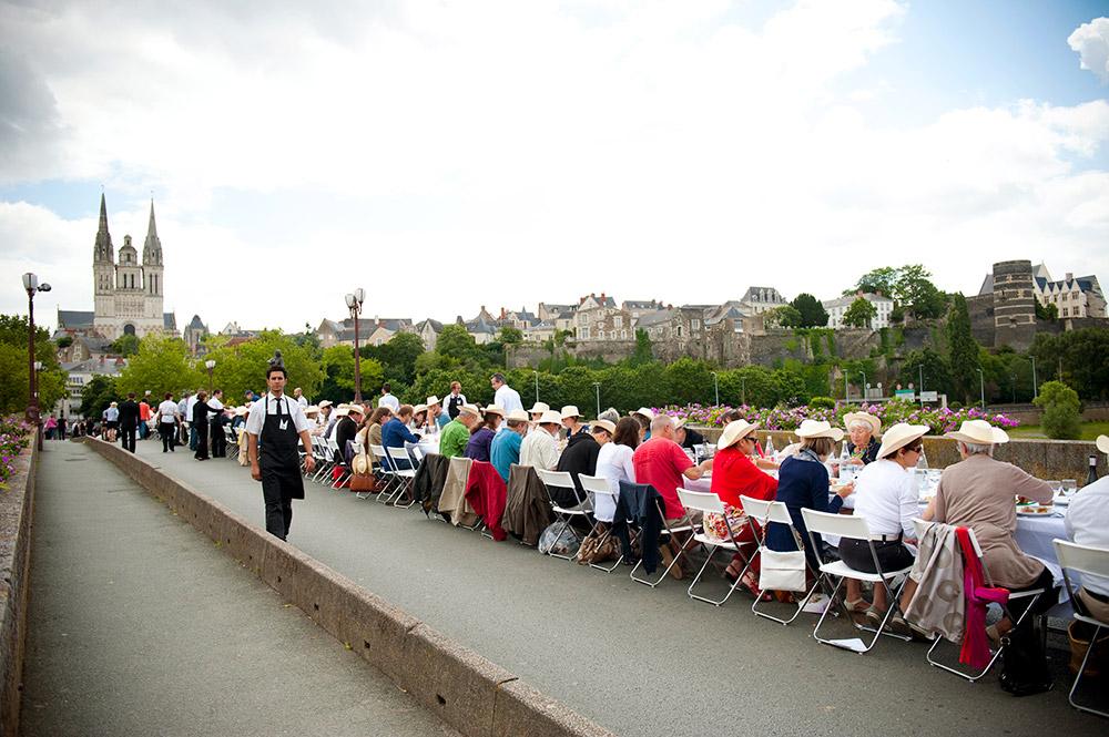 La Tablée unique, Pont de Verdun, Angers, 2012