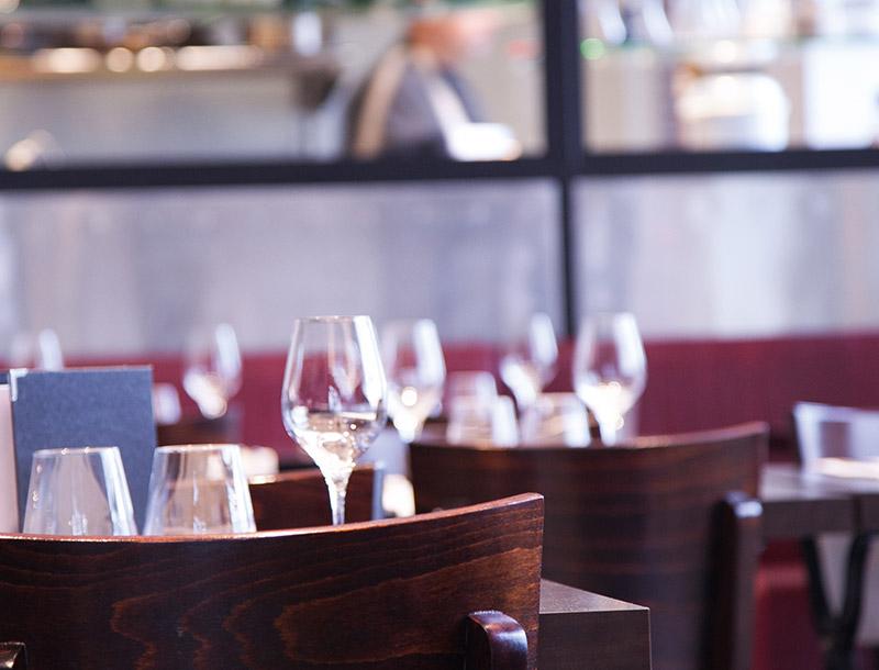 Restaurant La Raffinerie Restaurants Et Gastronomie Nantes Les Tables De Nantes